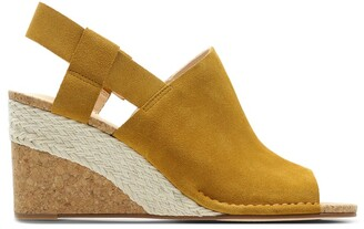 Clarks Spiced Bay Suede Sandals