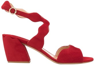Chloé Red Scalloped Strap Sandals