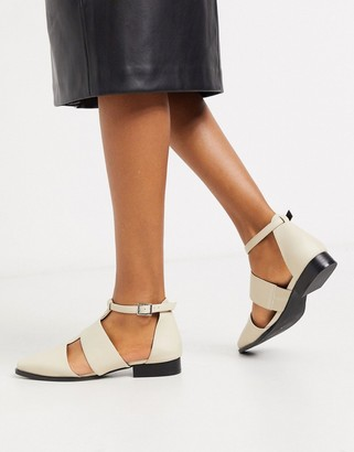 Asos Design DESIGN Meanwood pointed flat shoes in bone-Stone