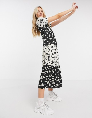 Liquorish smock maxi dress with puffy sleeves in black and white print