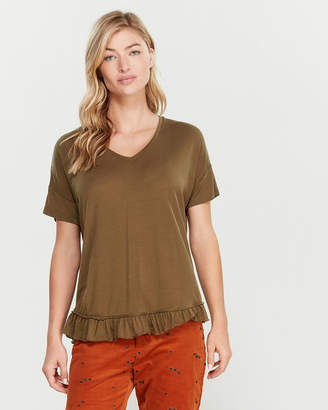 Scotch & Soda V-Neck Ruffle Short Sleeve Tee