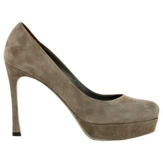 Saint Laurent \N Grey Suede High Heel