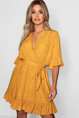 boohoo Plus Spotty Wrap Skater Dress