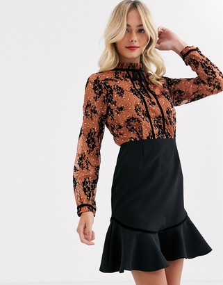 Paper Dolls 2-in-1 bow detail mini dress in black print