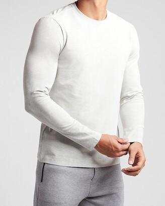 Express Textured Moisture-Wicking Performance Long Sleeve T-Shirt