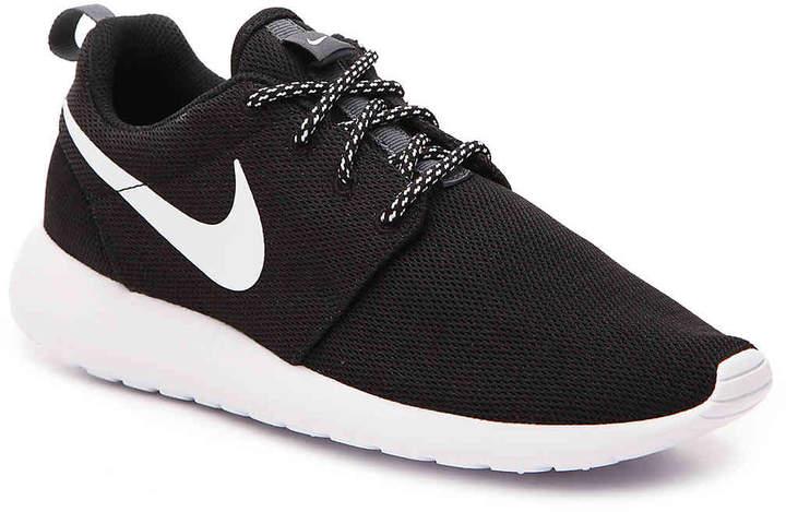 21011ac39e021 Nike
