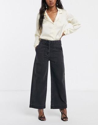 ASOS DESIGN Cropped wide leg carpenter jeans in washed black