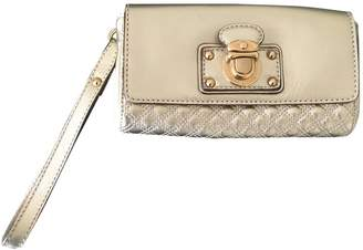 Marc Jacobs Single Gold Leather Clutch bags