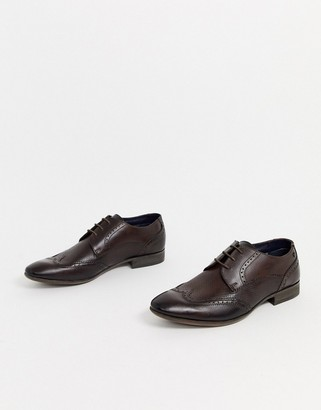 Base London philby wing cap brogues in brown
