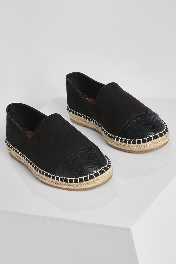 Thumbnail for your product : boohoo Wide Fit Closed Toe Espadrille