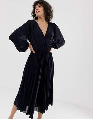 Max & Co. plunge front pleated dress