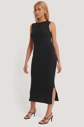 NA-KD Round Neck Sleeveless Dress