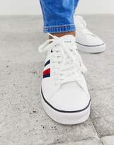 Tommy Hilfiger lightweight trainer with stripe detail heel tab and sole contrast in white