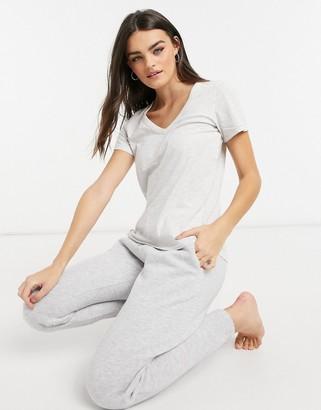 aerie v-neck t-shirt in light grey