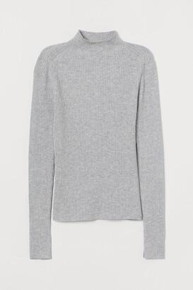 H&M Ribbed Mock-turtleneck Sweater