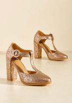 Retro Reaction Vegan Heel in Textured Gold in 11
