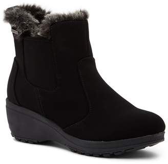 Khombu Faux Fur Lined Quilted Boots