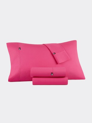 Tommy Hilfiger Signature Solid Pink Sheet Set