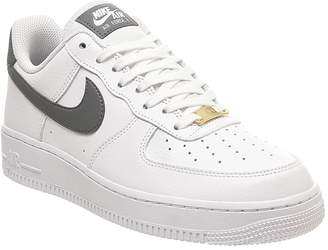 Nike Force 1 07 Trainers White Cool Grey Metallic Gold