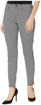 Liverpool Madonna Leggings in Houndstooth Knit (Whisper Whiet/Black) Women's Casual Pants