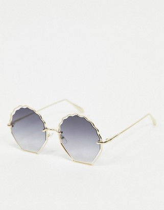A. J. Morgan AJ Morgan shell shaped sunglasses in gold