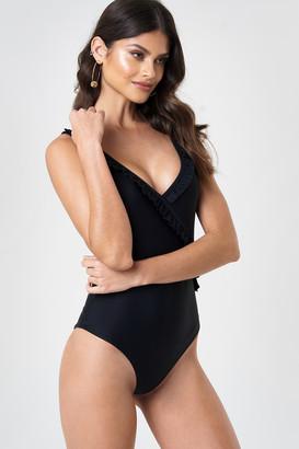 Andrea Hedenstedt X NA-KD V-Neck Frill Swimsuit