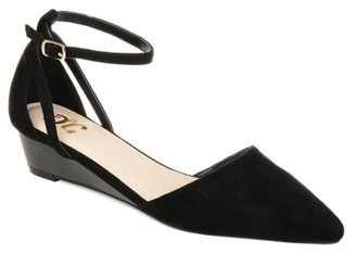 Journee Collection Arkie Wedge Pump