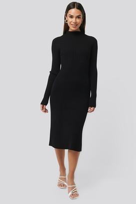 NA-KD Ribbed Knitted Polo Dress