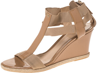 Fendi Beige Patent Leather And Elastic T-Strap Wedge Espadrille Sandals Size 39