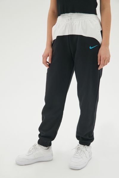 Thumbnail for your product : Nike Sportswear Icon Clash Jogger Pant