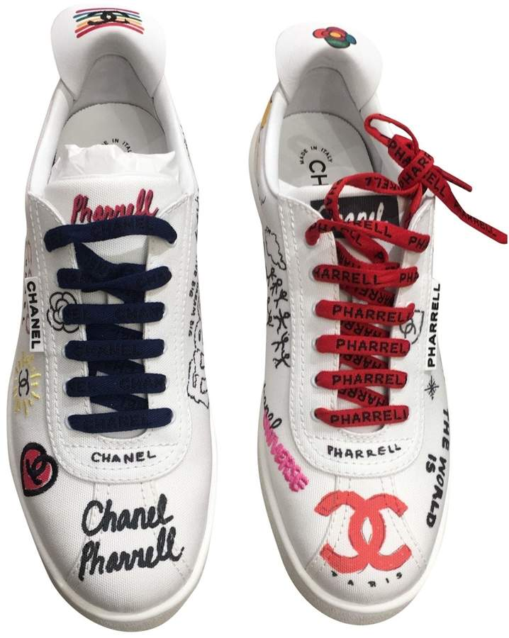 huge selection of 11f5e 1c4c8 Chanel X Williams White Cloth Trainers
