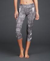 Zobha Black & Gray Wonder Capri Leggings