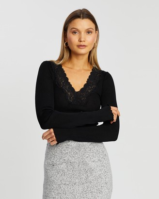 Grace Willow Wendy Seamless Lace Top