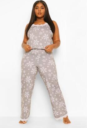 boohoo Plus Snowflake Cami Trouser Set