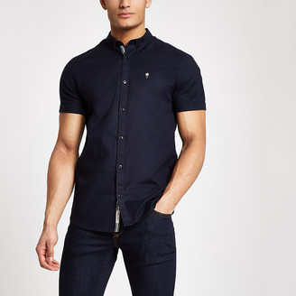 River Island Navy muscle fit short sleeve Oxford shirt