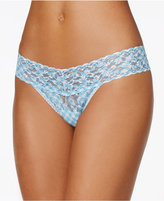 Hanky Panky Check Me Out Low-Rise Signature Lace Thong 3Q1181