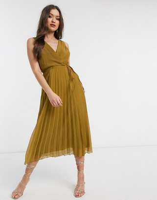 Asos Design DESIGN wrap bodice midi dress with tie waist and pleat skirt-Green