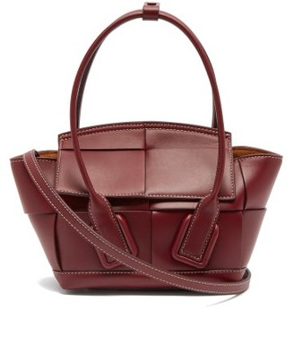 Bottega Veneta Arco 29 Intrecciato Leather Handbag - Womens - Burgundy