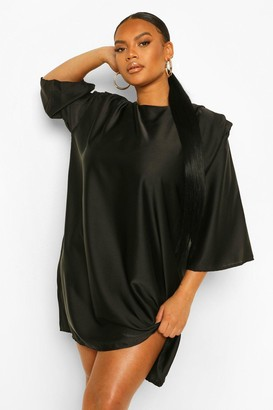 boohoo Plus Satin Shoulderpad 3/4 Sleeve Shift Dress