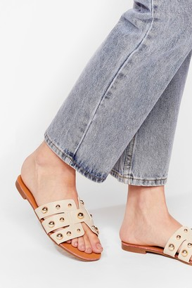 Nasty Gal Womens Stud Waiting Faux Leather Flat Sandals - Beige - 3
