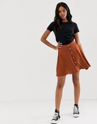 New Look mini skirt with buttons in rust-Red