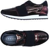 Logan Low-tops & sneakers