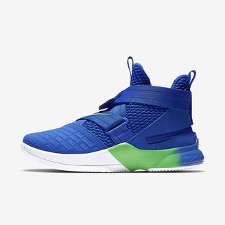 Nike Men's Basketball Shoe LeBron Soldier 12 FlyEase