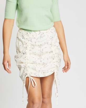Missguided Ditsy Floral Ruched Mini Skirt