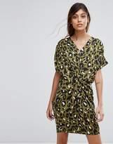 Liquorish Twist Front Dress In Leopard