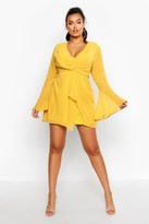 boohoo Plus Dobby Plunge Front Flared Sleeve Shift Dress