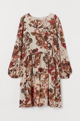 H&M MAMA Dress with Ruffles - Beige