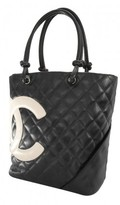 Chanel very good (VG Black & White Quilted Calfskin Leather Cambon Bucket Bag
