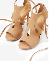 Express Teardrop Cut-out Lace-up Pump