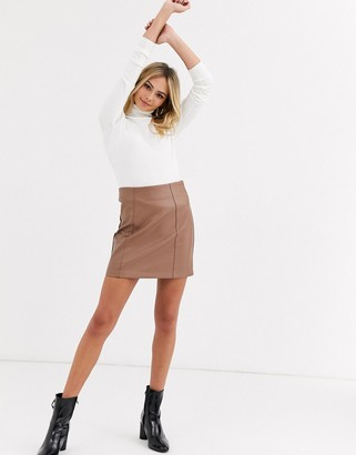 New Look faux leather mini skirt in camel-Tan